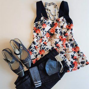 Suzy Shier floral top - Offer accepted 👍